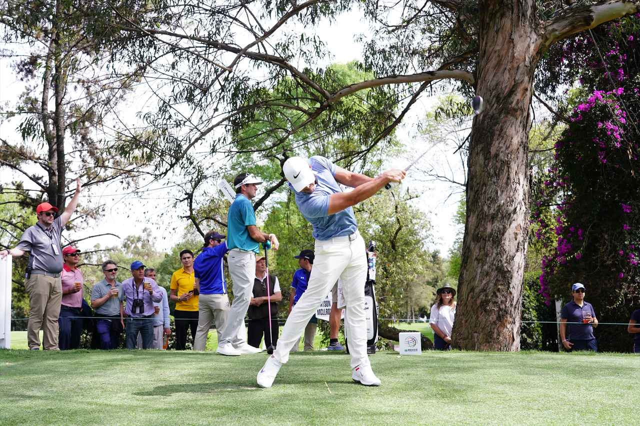 Images : 11番目の画像 - ブルックス・ケプカドライバー正面連続写真 - みんなのゴルフダイジェスト