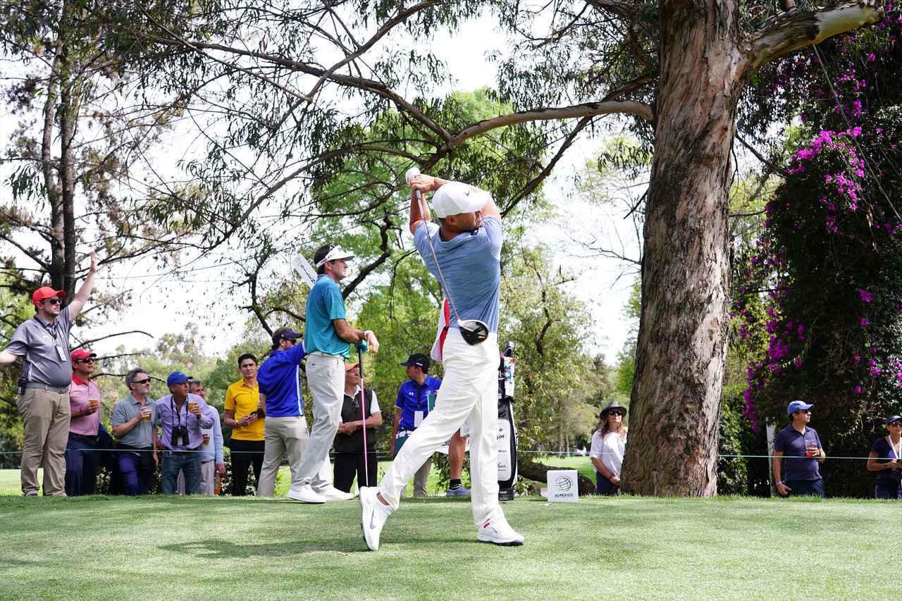 Images : 13番目の画像 - ブルックス・ケプカドライバー正面連続写真 - みんなのゴルフダイジェスト