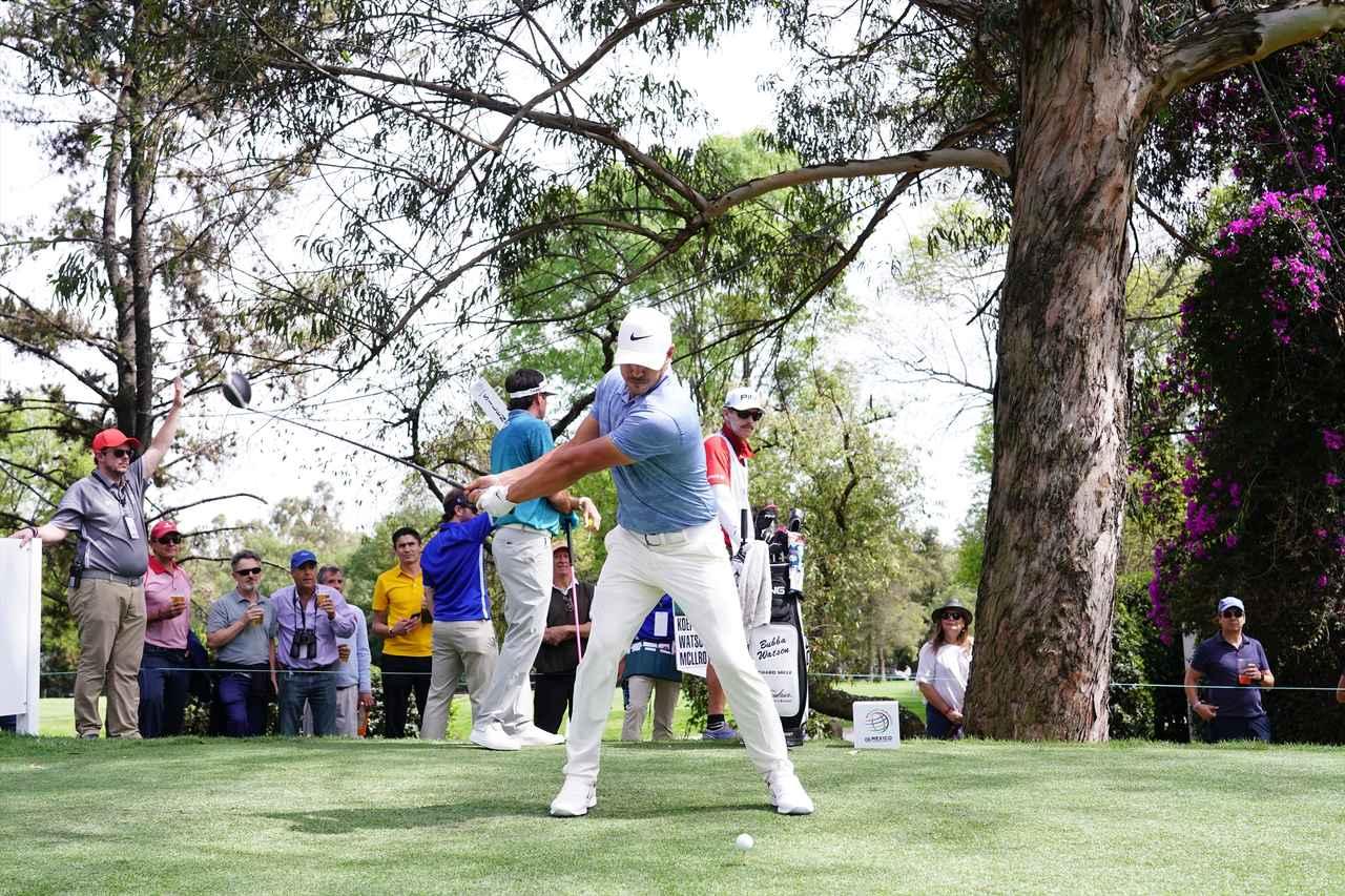 Images : 4番目の画像 - ブルックス・ケプカドライバー正面連続写真 - みんなのゴルフダイジェスト