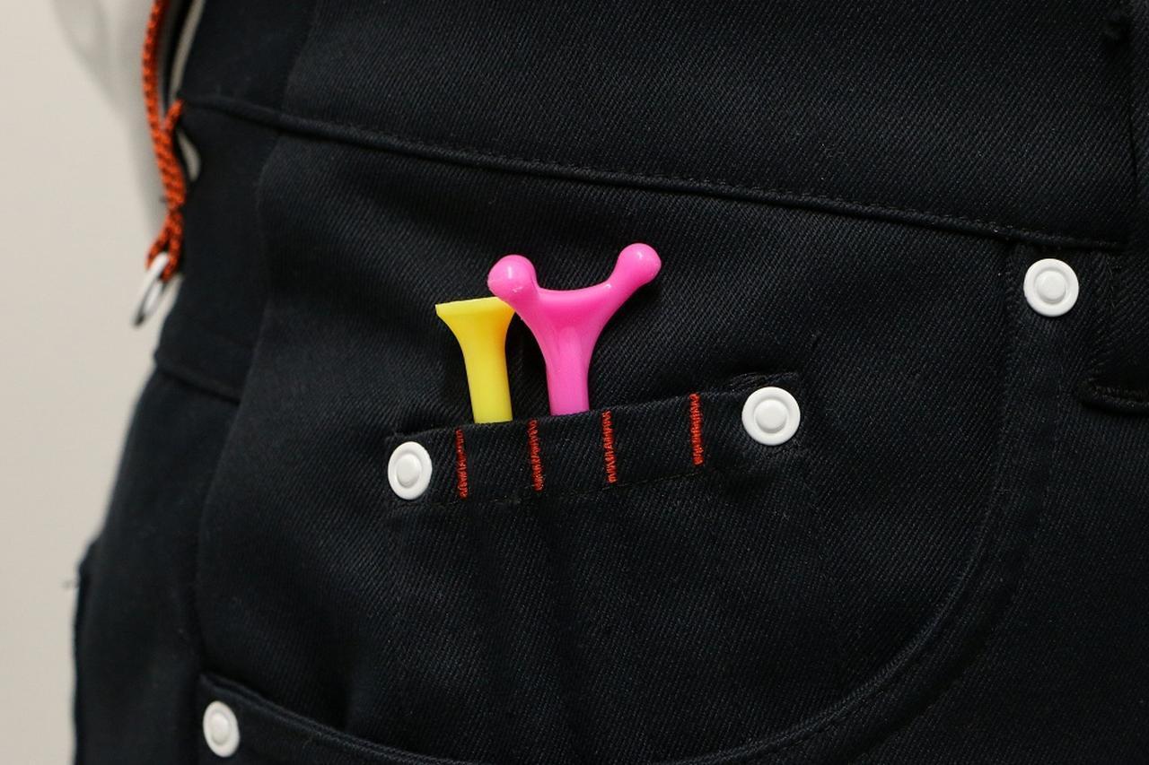 画像: ポケット部分にティが刺せるタイプのスカートを購入。慣れてしまえば結構いいかも……