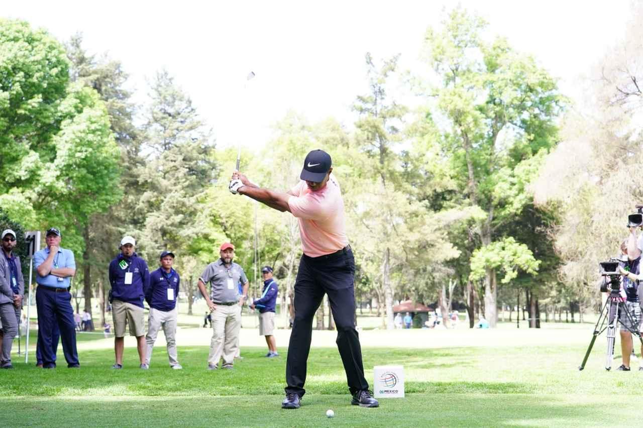 Images : 3番目の画像 - マッスルバックといえばこの人! タイガー・ウッズのアイアン連続写真 - みんなのゴルフダイジェスト