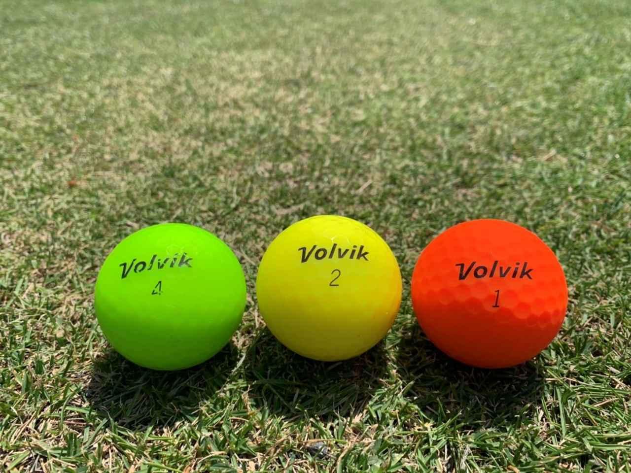 画像: ボルビックのVIVIDシリーズ マットカラーの緑、黄色、赤を3ホールづつ打ってみた