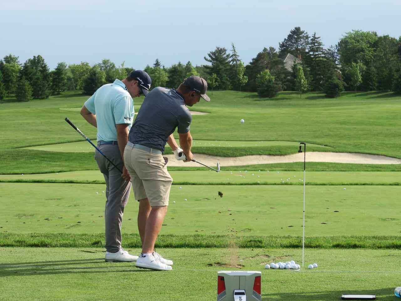 Images : 4番目の画像 - デシャンボーのトリックショット連続写真 - みんなのゴルフダイジェスト