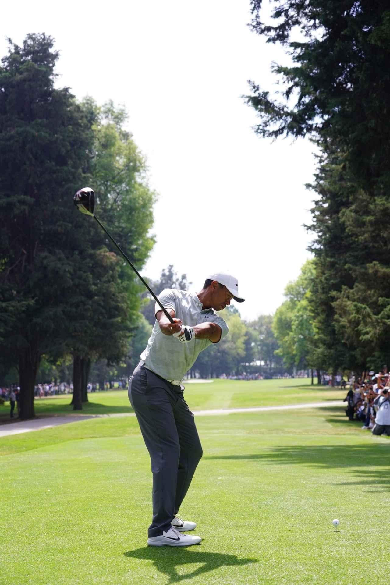 Images : 3番目の画像 - タイガー・ウッズのドライバー連続写真 - みんなのゴルフダイジェスト