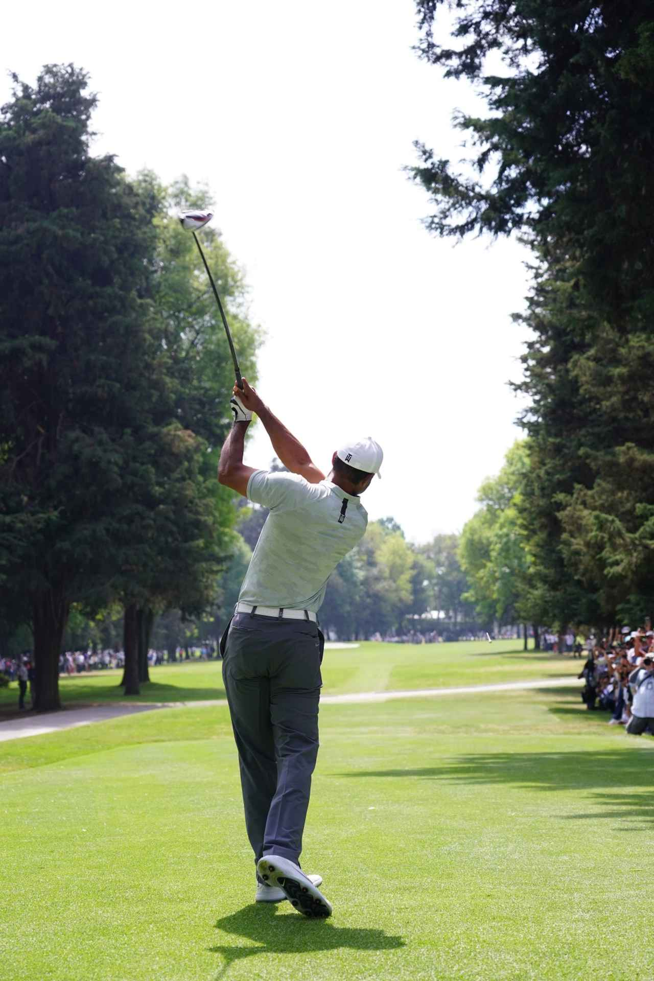 Images : 12番目の画像 - タイガー・ウッズのドライバー連続写真 - みんなのゴルフダイジェスト