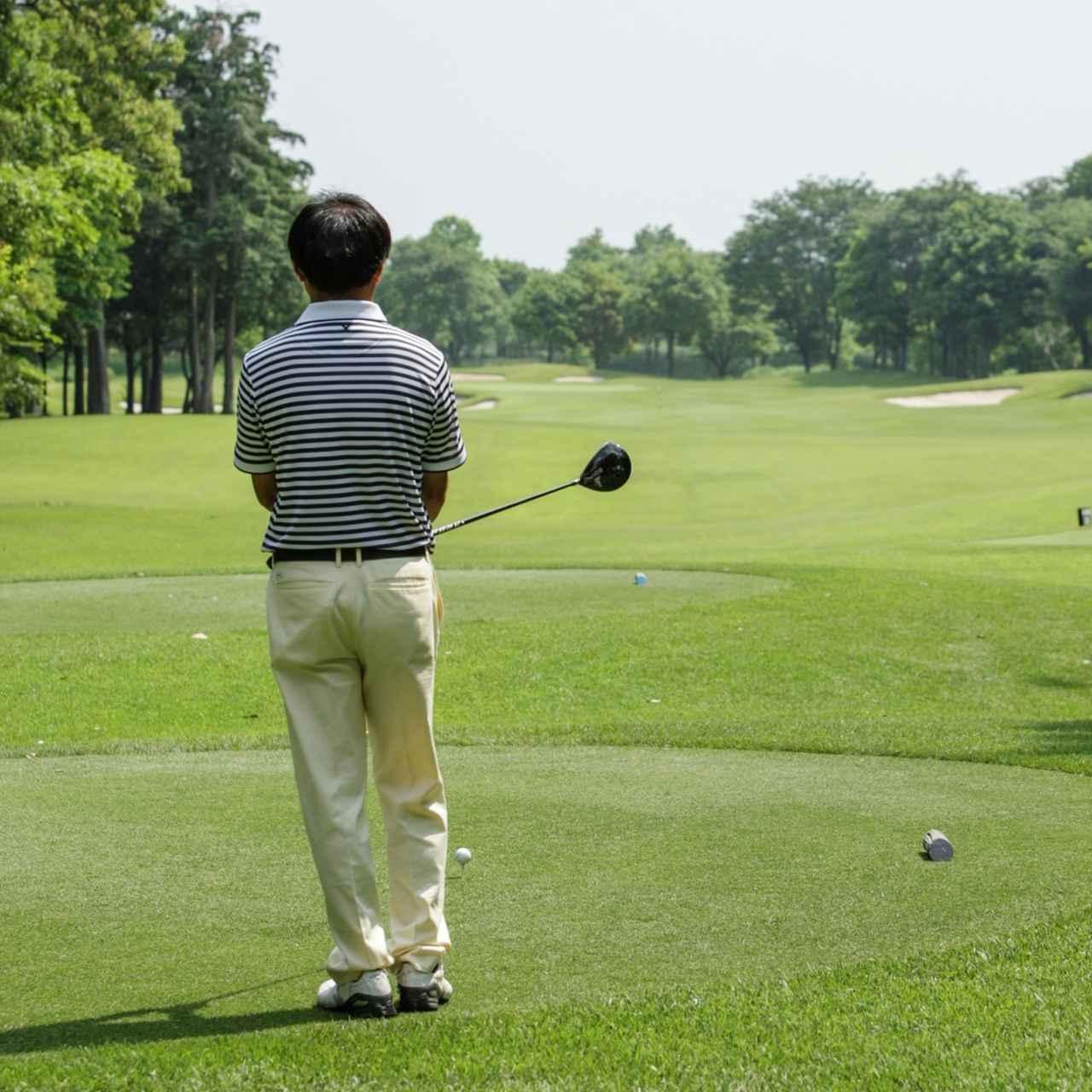 画像: 「右脳」を使った創造的なゴルフ をするためには、ショットの引き出しを増やすこと。応用力を身に つければ、どんな状況下でもスコアは安定する