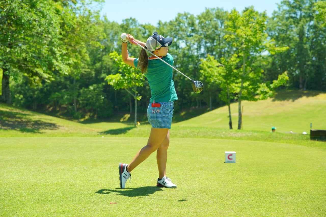 Images : 18番目の画像 - 上田桃子のドライバー連続写真 - みんなのゴルフダイジェスト