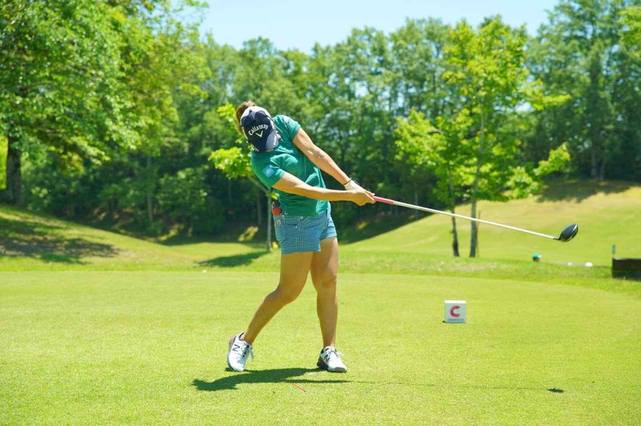 Images : 13番目の画像 - 上田桃子のドライバー連続写真 - みんなのゴルフダイジェスト