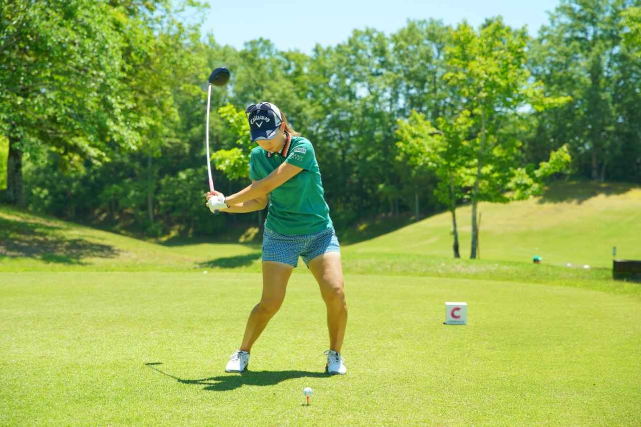 Images : 10番目の画像 - 上田桃子のドライバー連続写真 - みんなのゴルフダイジェスト