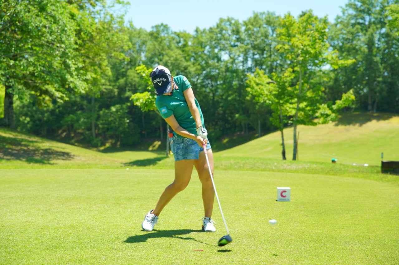 Images : 12番目の画像 - 上田桃子のドライバー連続写真 - みんなのゴルフダイジェスト