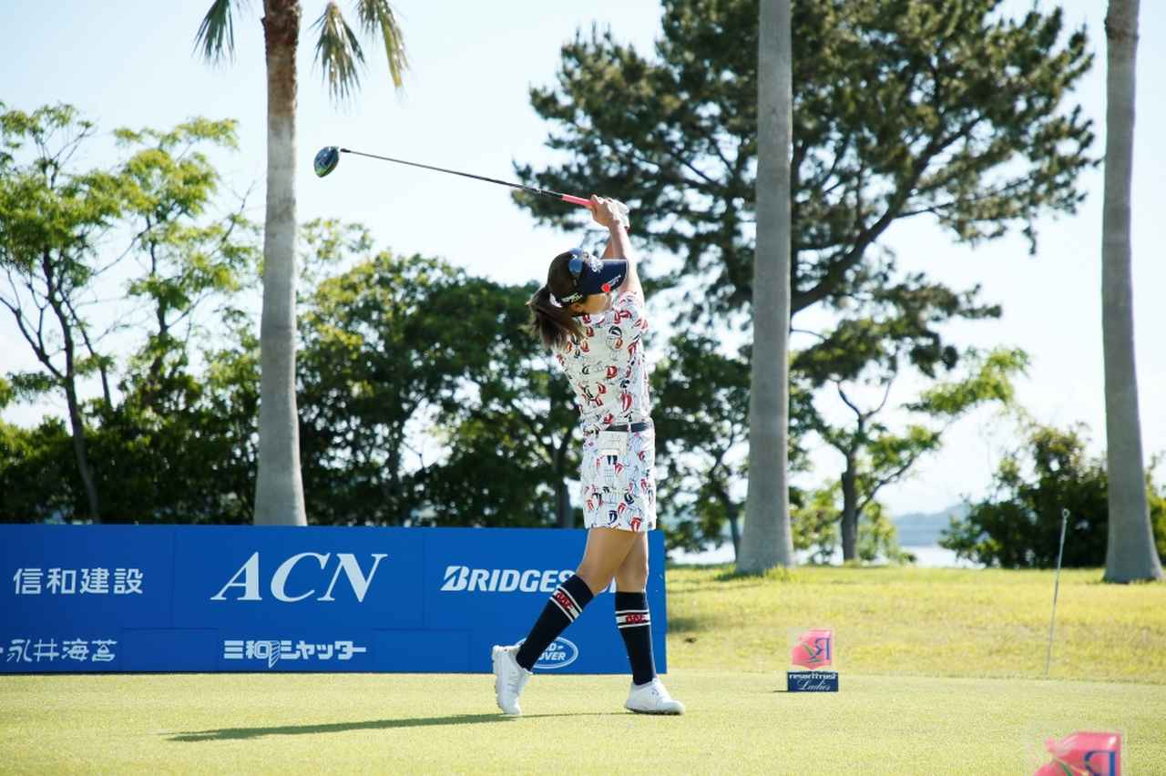 Images : 12番目の画像 - 藤田光里のドライバー連続写真 - みんなのゴルフダイジェスト