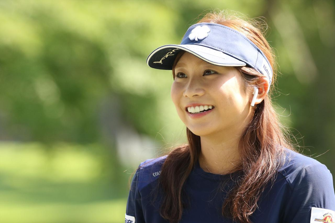 画像: ニコニコ笑顔が印象的な熊谷かほ