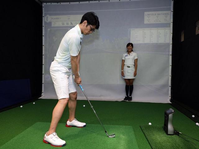 画像: 最後は「小さめのフック」。大げさなフックを打ってからだんだんと慣らしていくことで、ボールを曲げる感覚がわかる