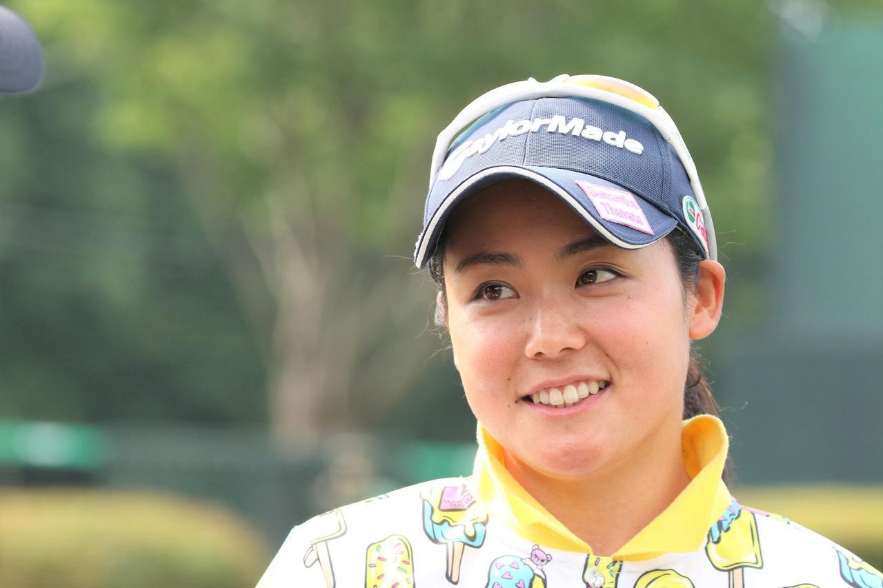 画像: 練習ラウンドにクラブを持たずに付いて行くのはなぜ? 山村彩恵が上田桃子から学んだこと - みんなのゴルフダイジェスト