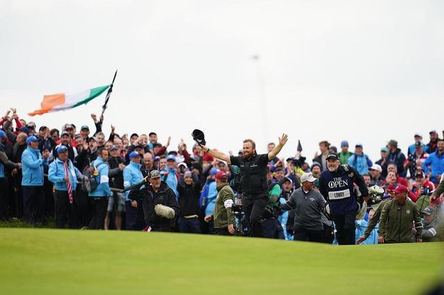 画像: アイルランド出身選手シェーン・ローリーの活躍に、地元ギャラリーたちは大いに沸いた