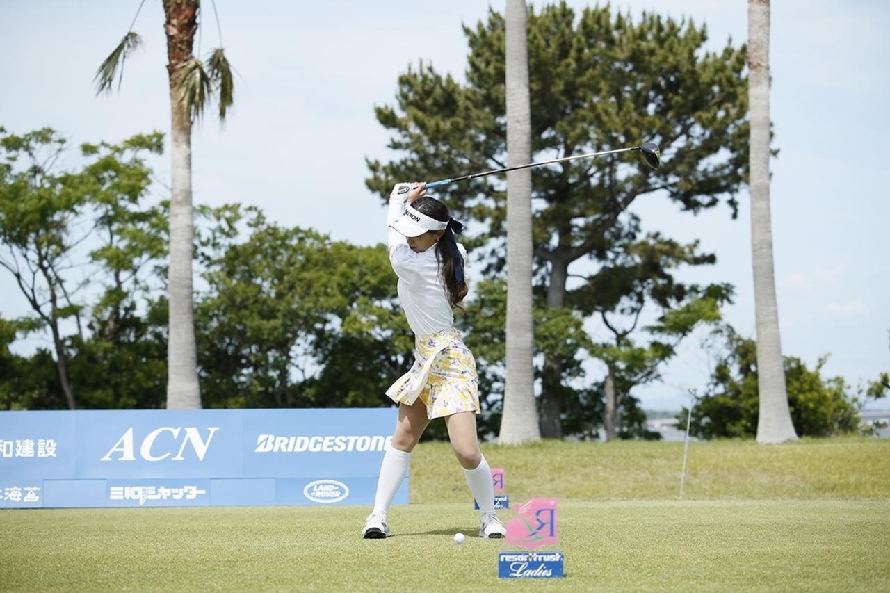 Images : 9番目の画像 - 臼井麗香のドライバー連続写真 - みんなのゴルフダイジェスト