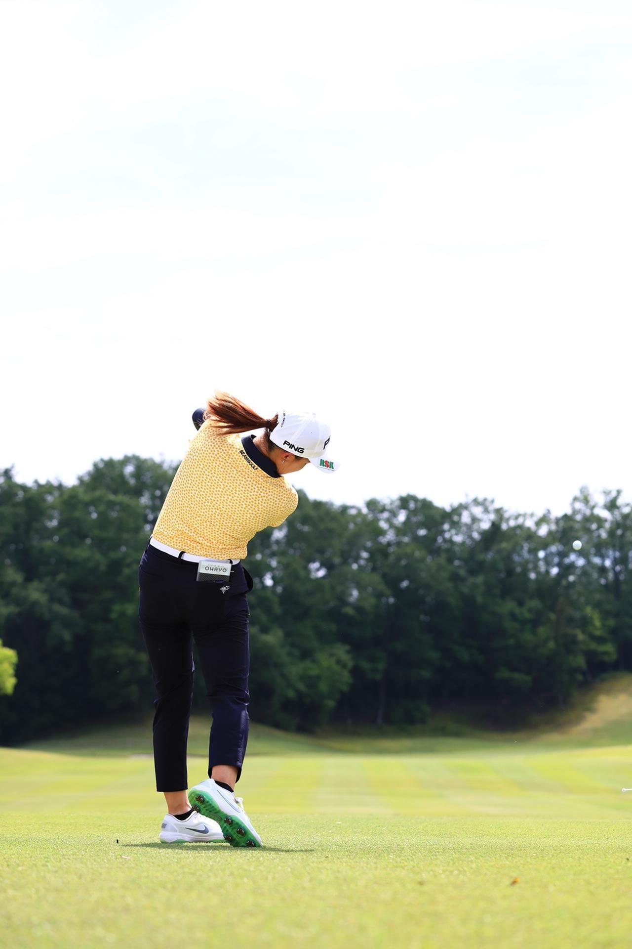 Images : 15番目の画像 - 渋野日向子のドライバー後方連続写真 - みんなのゴルフダイジェスト