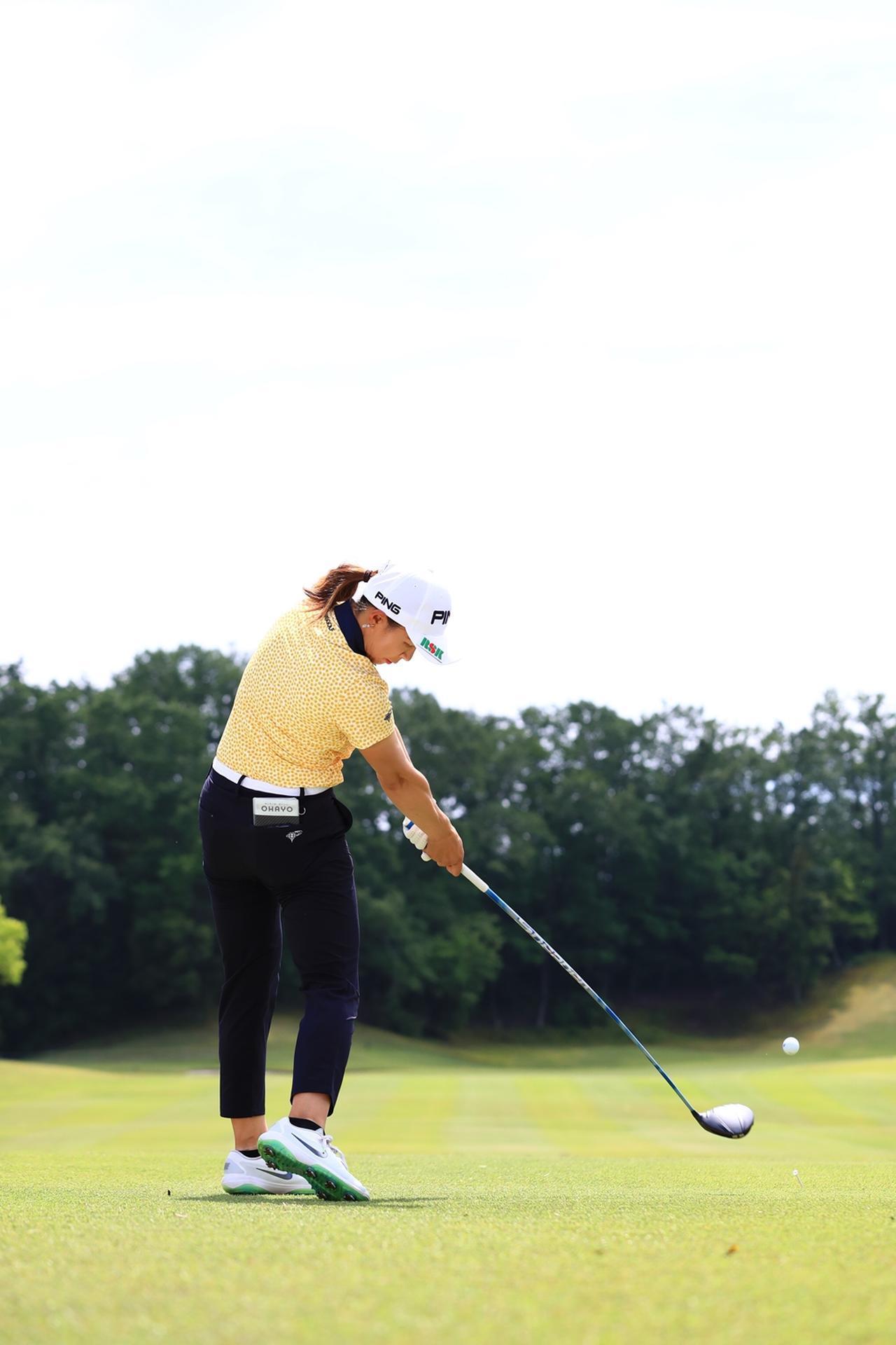 Images : 14番目の画像 - 渋野日向子のドライバー後方連続写真 - みんなのゴルフダイジェスト
