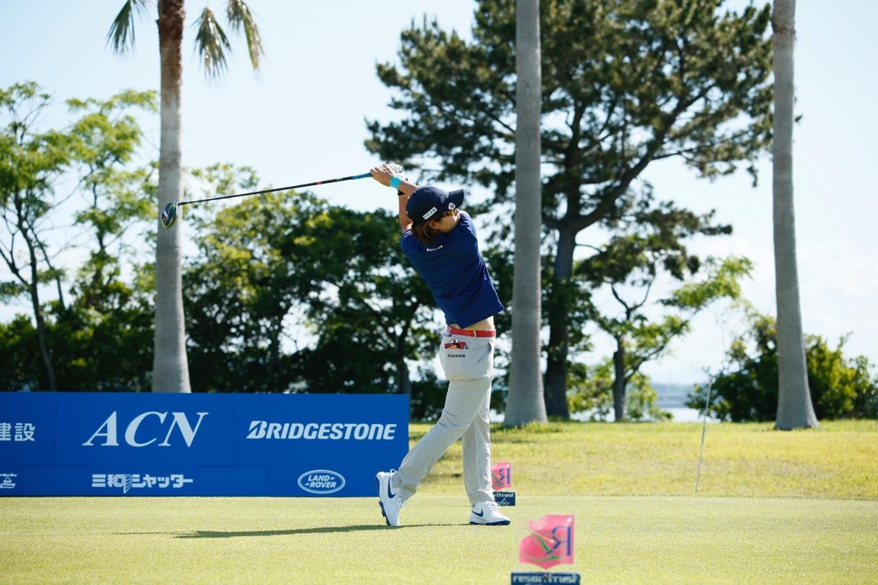 Images : 11番目の画像 - 穴井詩のドライバー連続写真 - みんなのゴルフダイジェスト