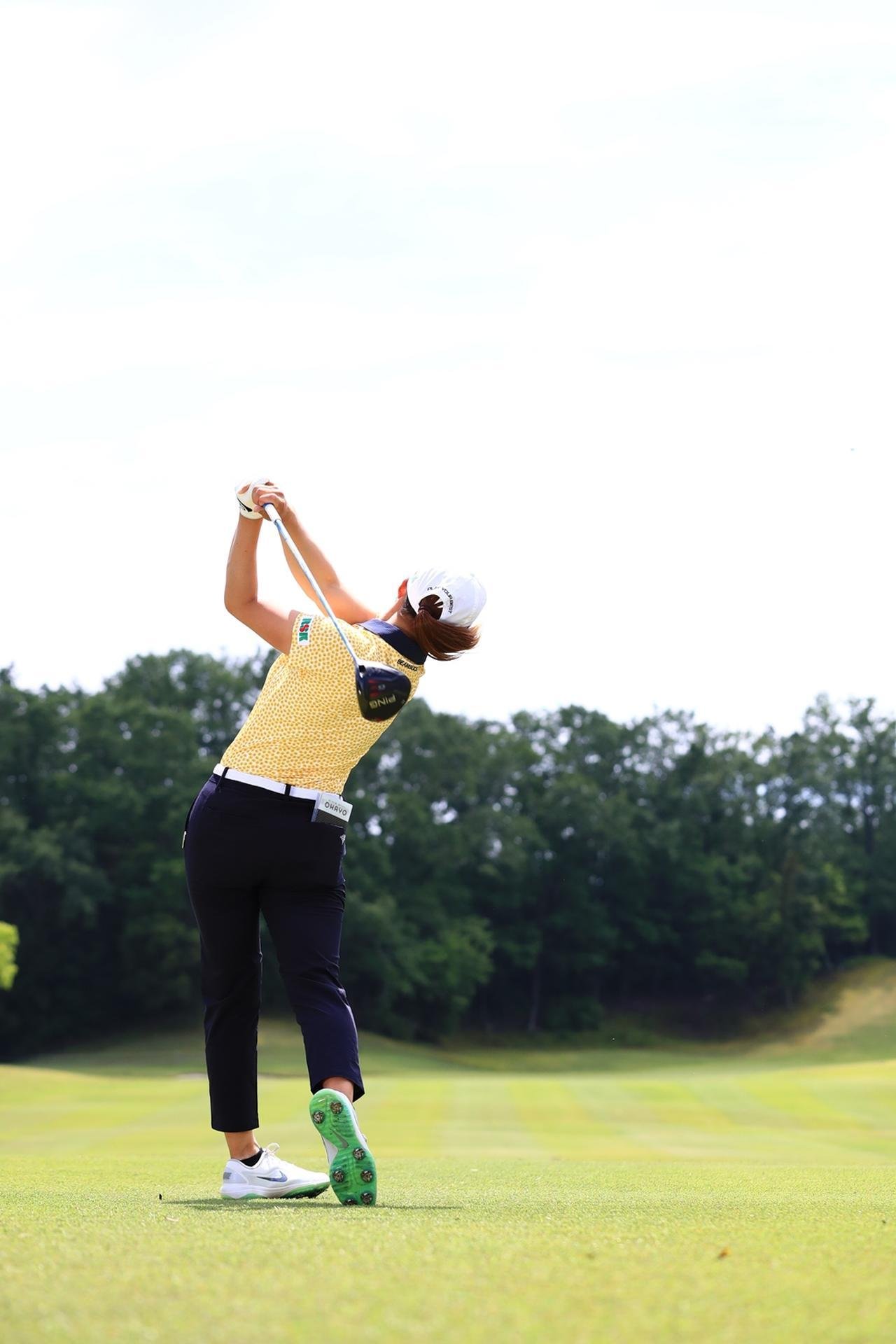 Images : 18番目の画像 - 渋野日向子のドライバー後方連続写真 - みんなのゴルフダイジェスト
