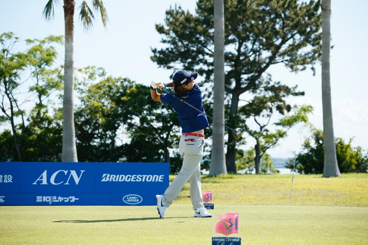 Images : 12番目の画像 - 穴井詩のドライバー連続写真 - みんなのゴルフダイジェスト