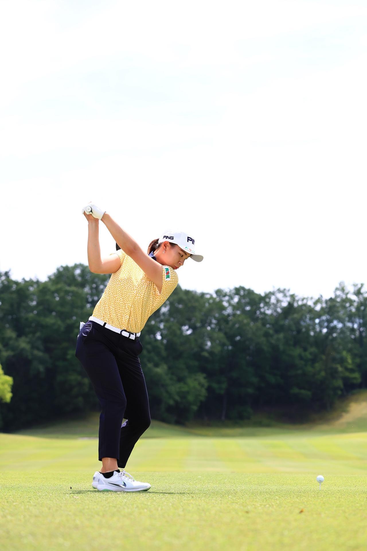 Images : 10番目の画像 - 渋野日向子のドライバー後方連続写真 - みんなのゴルフダイジェスト