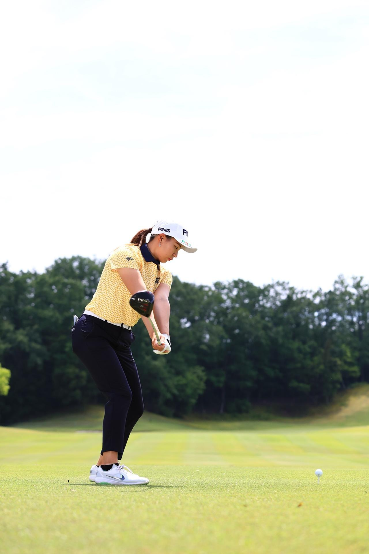 Images : 4番目の画像 - 渋野日向子のドライバー後方連続写真 - みんなのゴルフダイジェスト