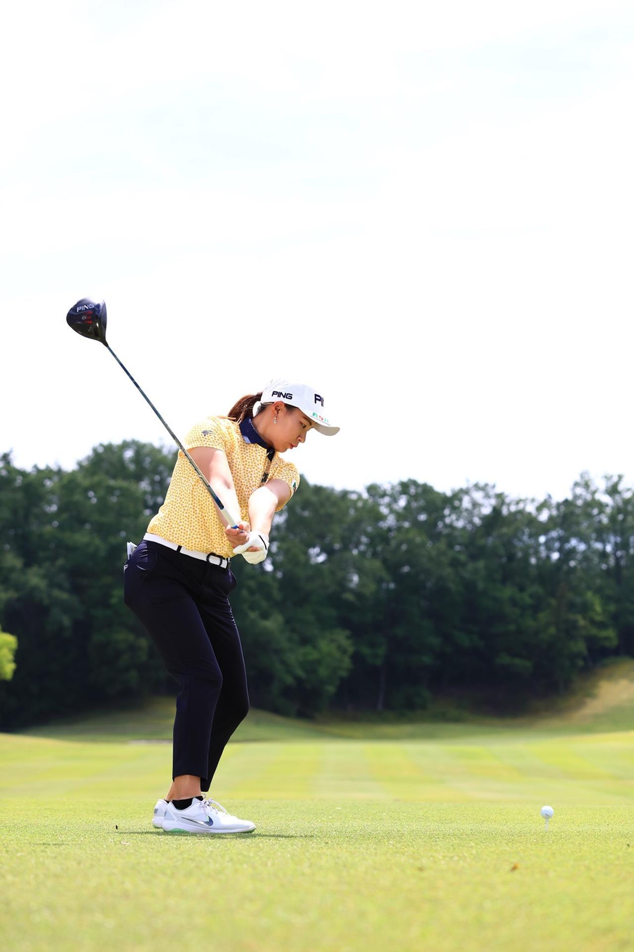 Images : 5番目の画像 - 渋野日向子のドライバー後方連続写真 - みんなのゴルフダイジェスト