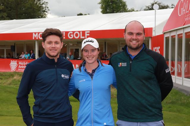 画像: ホーガン自らが設立したマネジメント会社「Modest! Golf」の契約選手のレオナ・マグワイヤー(中央)