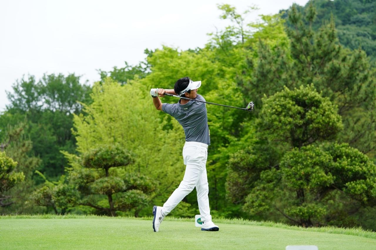 Images : 17番目の画像 - 石川遼のドライバー連続写真 - みんなのゴルフダイジェスト