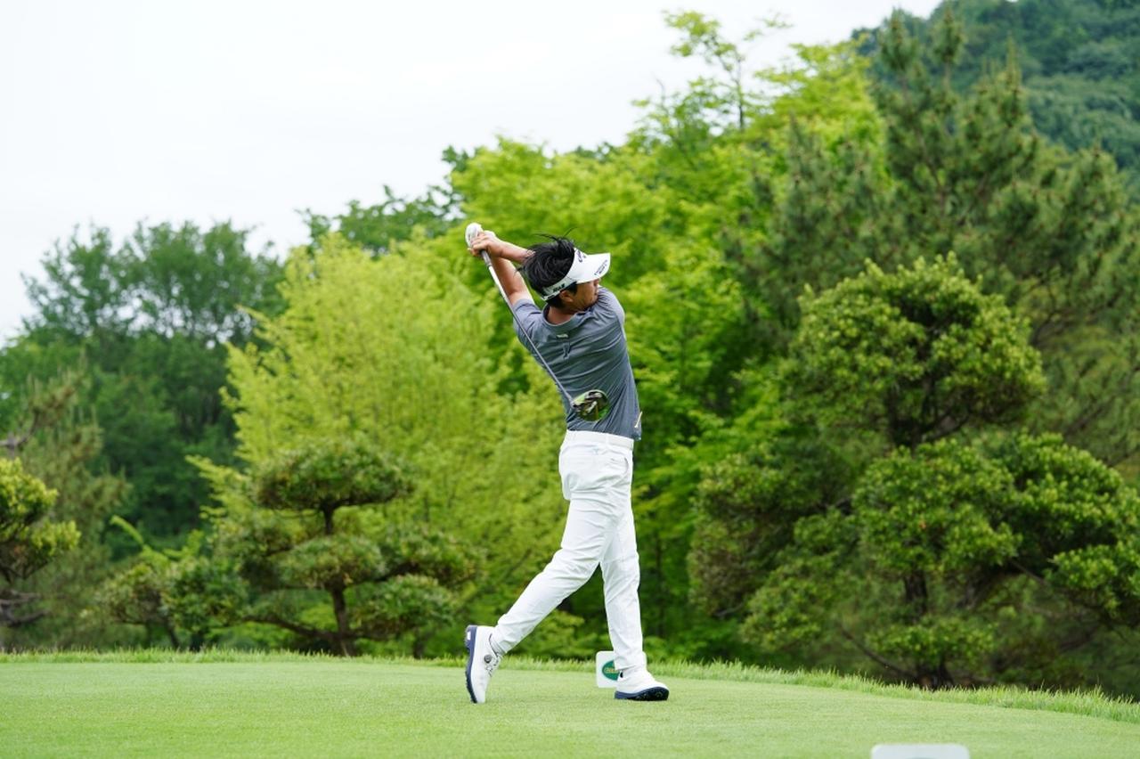 Images : 16番目の画像 - 石川遼のドライバー連続写真 - みんなのゴルフダイジェスト