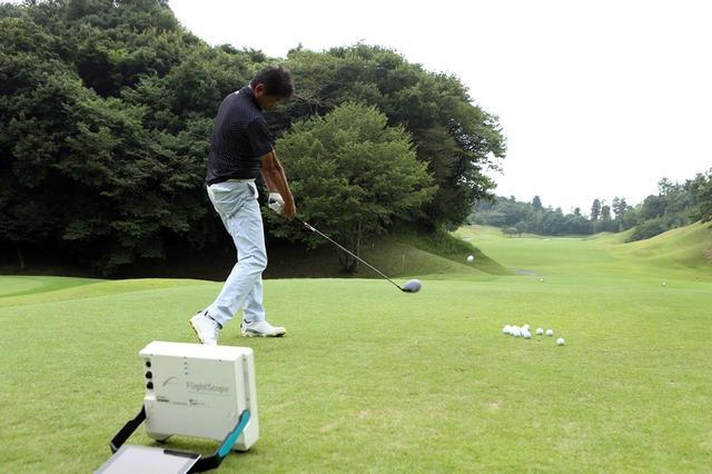 画像: プロゴルファー・中村修がコースで新生RMXシリーズを試打した