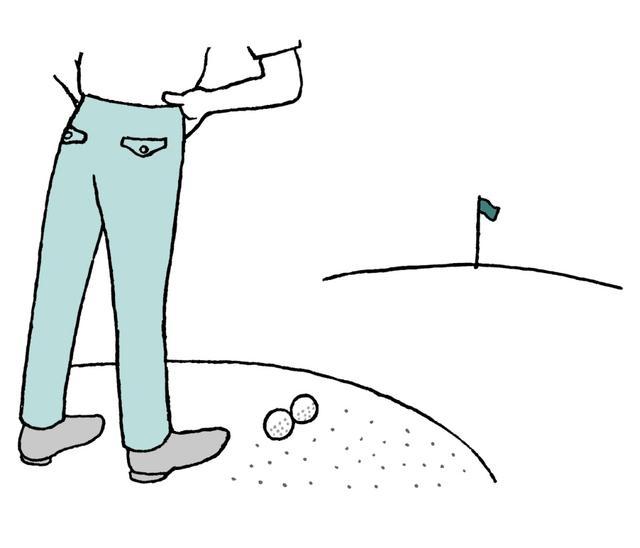 画像: バンカーで並んだ球を1人が打てば、マ ークして拾い上げていたプレーヤーの球のライは変わっているだろう