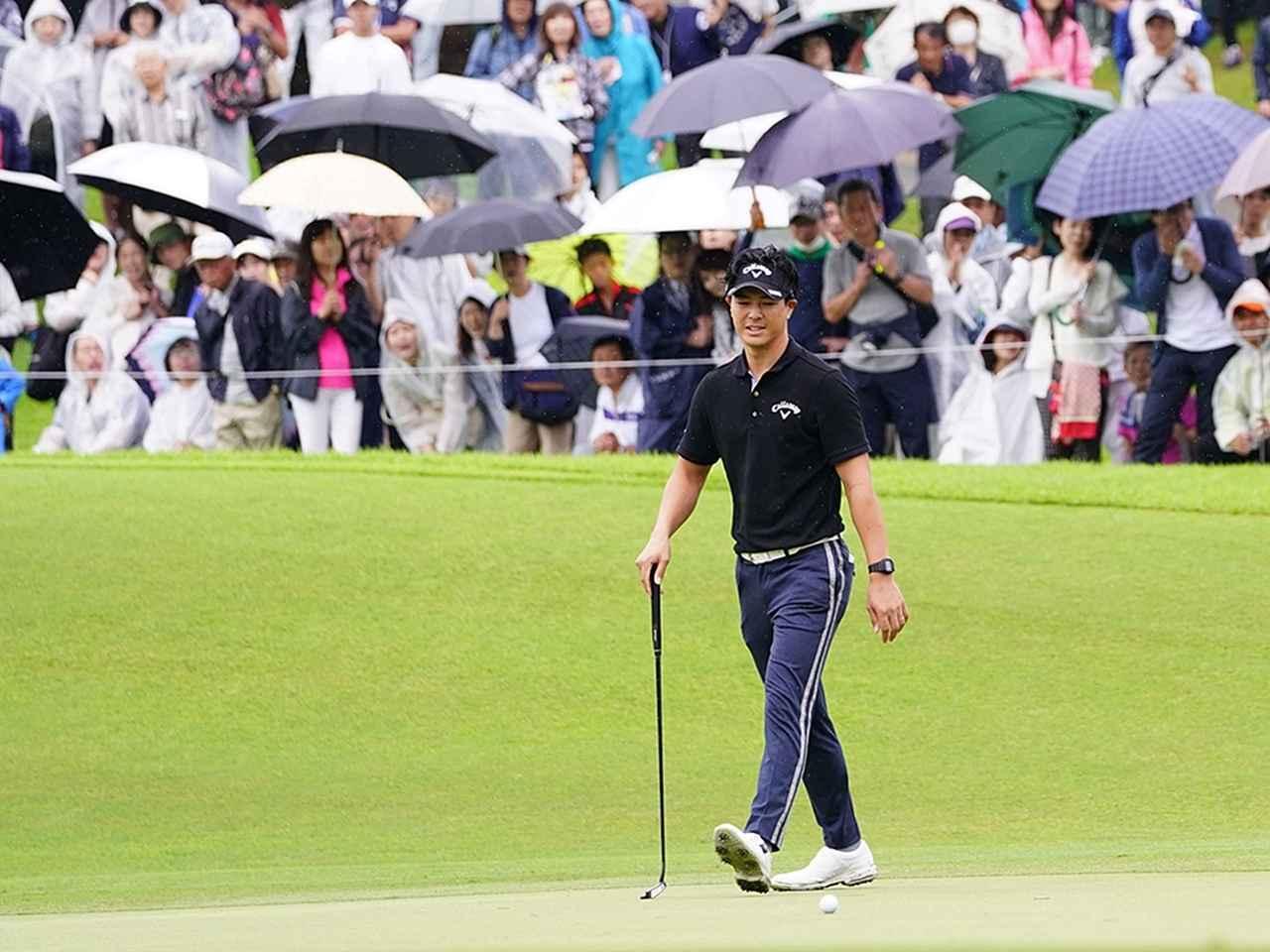 画像: 3週連続優勝がかかっていた石川遼。写真の5番ホールはパーで回ったが、続くパー5の6番ホールでバーディならず、逆転優勝の目が遠のいてしまう