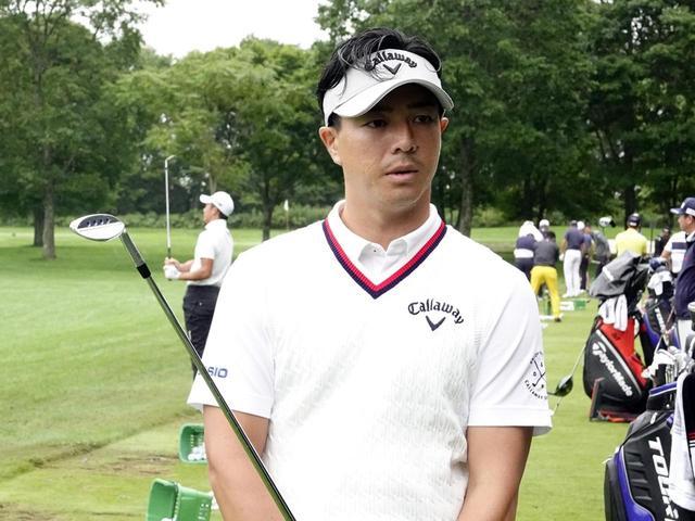 画像: セガサミーカップ練習日にジョーズウェッジをテストした石川遼。曰く、20~30ヤードのアプローチでのスピン性能が高いという