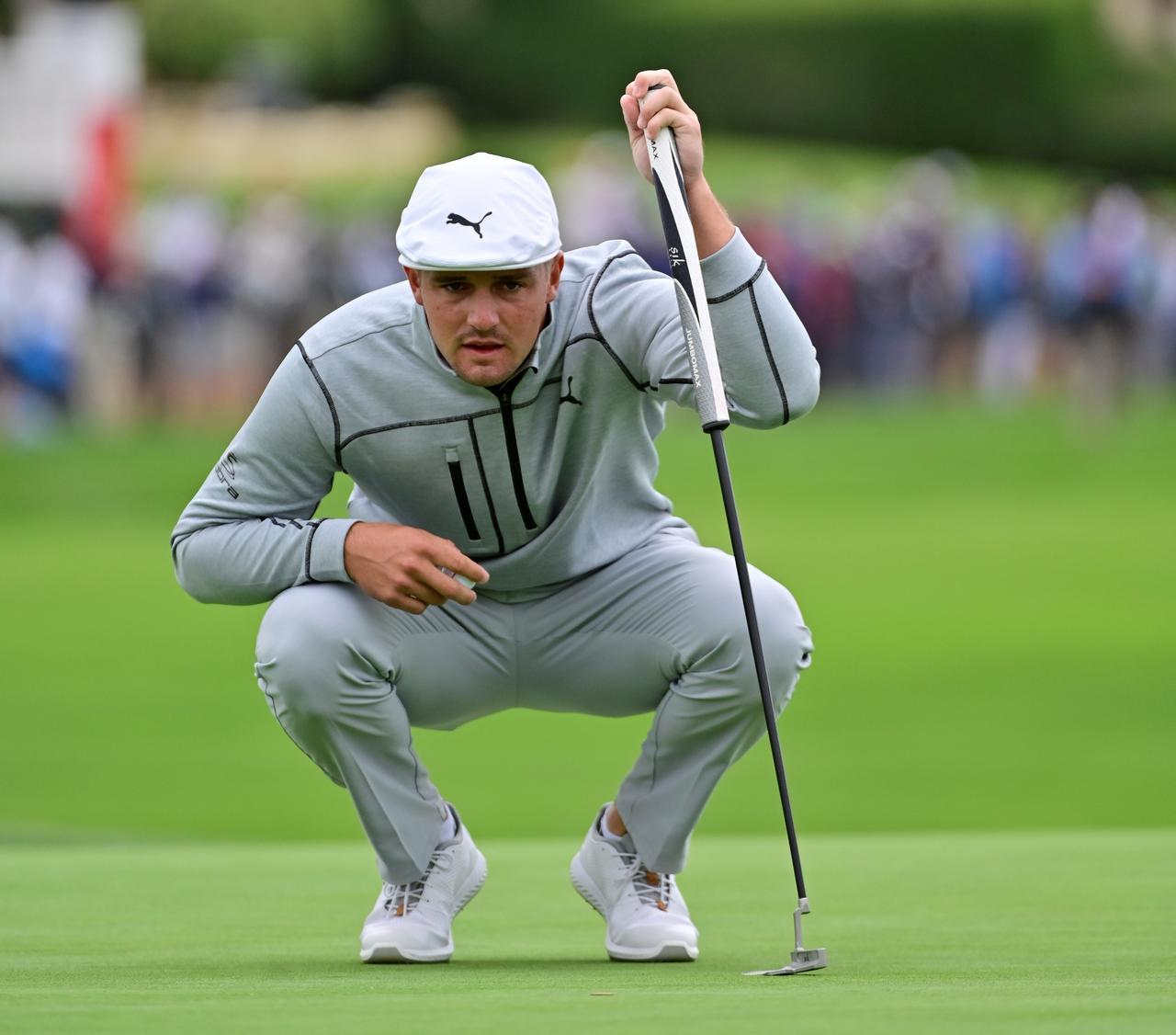 """画像: すっかりスロープレーヤーの代名詞となってしまった""""ゴルフの科学者""""ブライソン・デシャンボー(写真は2019年の全英オープン 撮影/姉崎正)"""