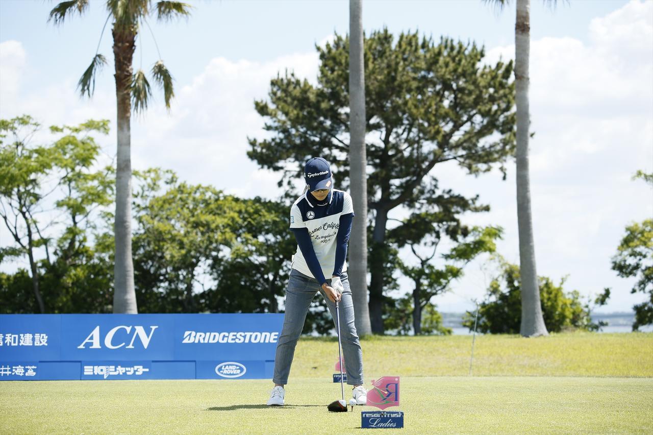 Images : 1番目の画像 - 大西葵ドライバー連続写真 - みんなのゴルフダイジェスト