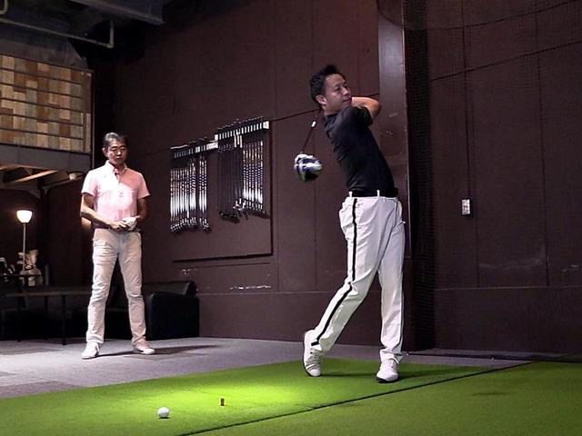 画像: プロゴルファー・中村修とノリーこと堀口宜篤がXP-1を試打