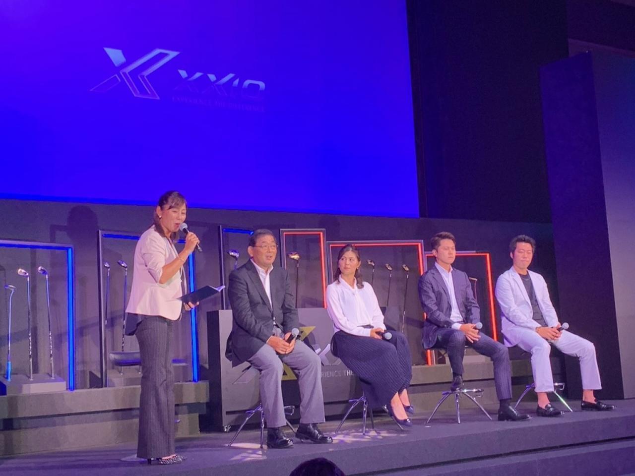 画像: (左から2番目から順に)中嶋常幸、新垣比菜、大堀裕次郎、元メジャーリーガーの上原浩治らが登壇。発表を盛り上げた