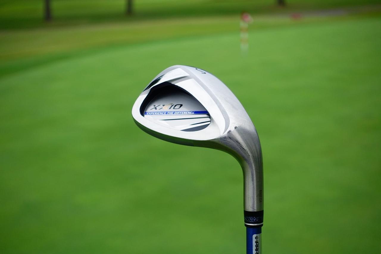 画像: プロゴルファー・中村が「試打した中でもっとも良かった」と評したゼクシオ11のサンド。「ゼクシオ11のアイアンを使うなら、ぜひ流れでサンドまで」(中村)