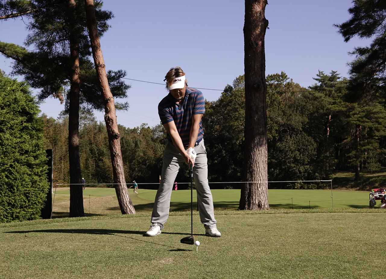 Images : 1番目の画像 - 400ヤード級のスウィング! 小達敏昭のドライバー連続写真 - みんなのゴルフダイジェスト