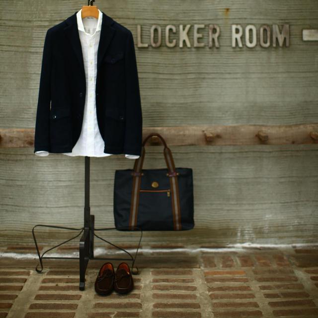 画像: ジャケット、えり付きシャツ、革靴。これさえ揃えばどんなゴルフ場でも大丈夫