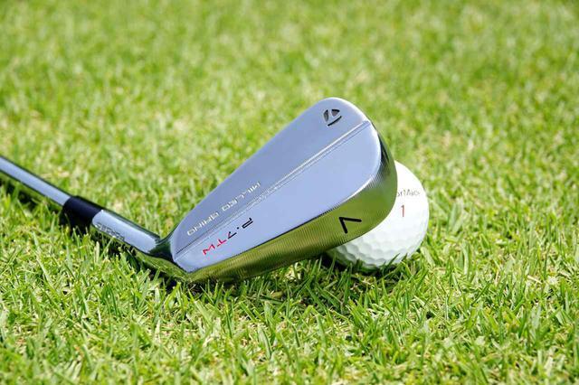 画像: タイガーモデルのテーラーメイド「P・7TW」。飛距離ではなく操作性を求めるゴルファーが手にするのがマッスルバック