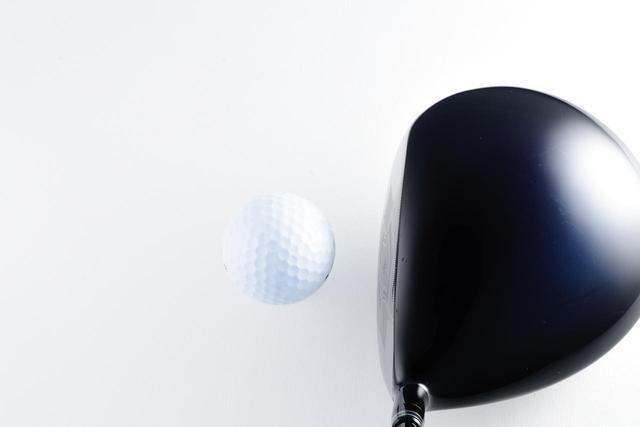 画像: ゴルフクラブはスウィング中にフェースが「開きやすい」。だからスライスにそもそもなりやすいのだ