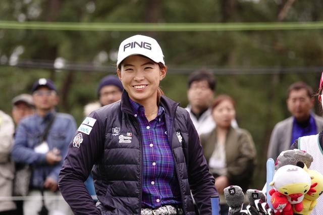 画像: 国内女子ツアー最終戦「LPGAツアー選手権リコー杯」の初日を2アンダー3位タイで終えた渋野日向子