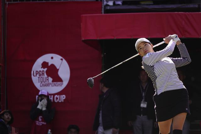 画像: 「LPGAツアー選手権リコーカップ」3日目を71で回り首位と2打差で最終日を迎える渋野日向子