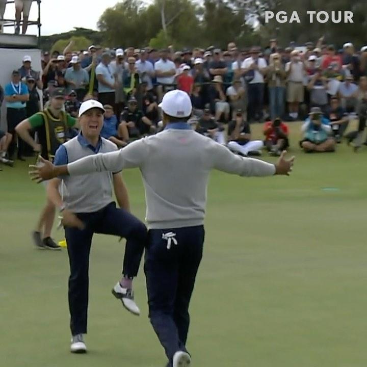 """画像1: PGA TOUR on Instagram: """"CHILLS. @justinthomas34 and @tigerwoods win their second point of the @presidentscup. """" www.instagram.com"""