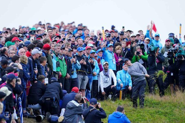 画像: 地元・北アイルランドの期待を一身に受けて全英オープンを戦ったマキロイ。初日大叩きからの2日目必死の挽回は語り草に