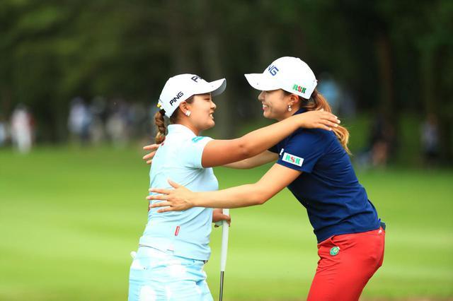画像: ニチレイレディス2日目は鈴木愛と同組。日本の女子ゴルフ界を盛り上げていく二人の姿がここにあった(撮影/大澤進二)