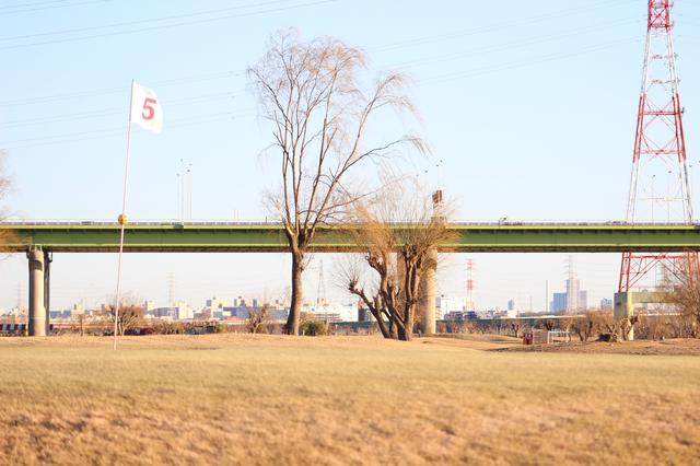 画像: 現在の戸田パブリックGC。台風時はこの5番グリーンがグリーンごと流された